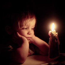 Мальчик и свеча